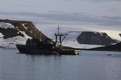 Российские исследователи заложили продуктовые «схроны» в Арктике