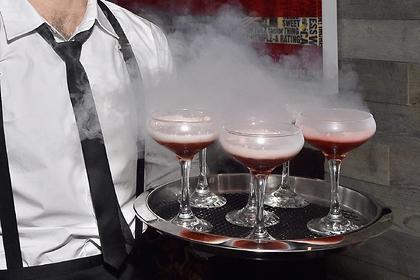 Женщина заказала в ресторане напиток и лишилась желчного пузыря