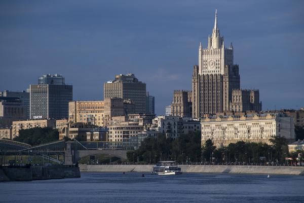Дипломатов США обвинили в тайных поездках по России