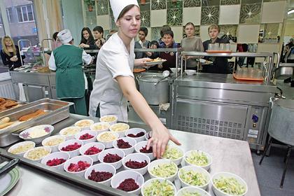 В Госдуме поддержали законопроект о горячем питании в школах