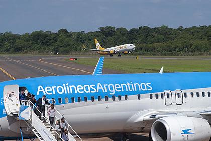 Стюардессы сняли пассажирку с рейса из-за смертельного заболевания