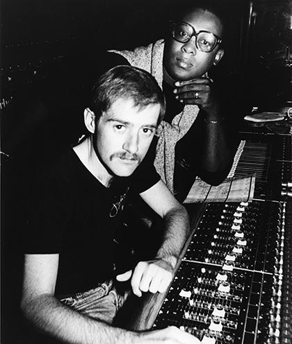 Певец Sylvester (справа) и продюсер Патрик Каули в студии в 1980 году