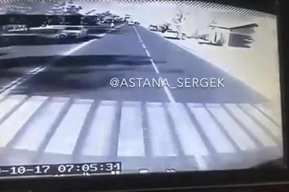 Отец спас ребенка из-под колес автобуса ценой своей жизни