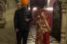 После свадьбы в Биканере молодожены, как правило, направляются за благословением в храм крыс. Обычай требует, чтобы невеста была привязана к жениху повязкой.