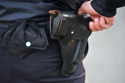 В московском метро ударили ножом полицейского