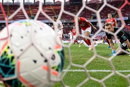 Российский футболист потерял два литра крови после столкновения с соперником