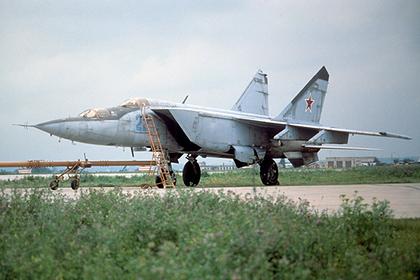 В США быстрейший в мире истребитель МиГ-25 назвали бесполезным