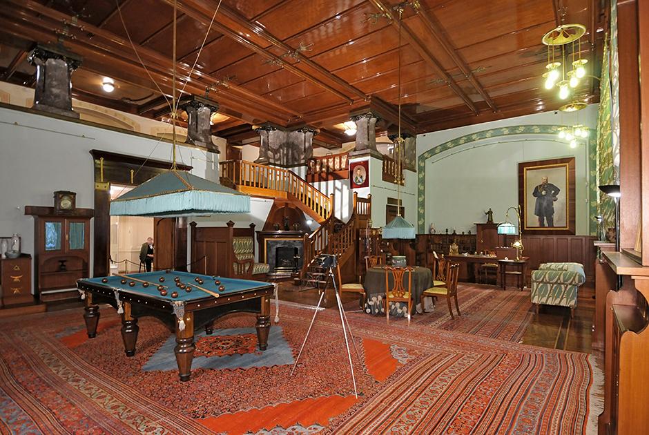 Парадный кабинет Николая II в Александровском дворце, где император проводил совещания и высочайшие аудиенции