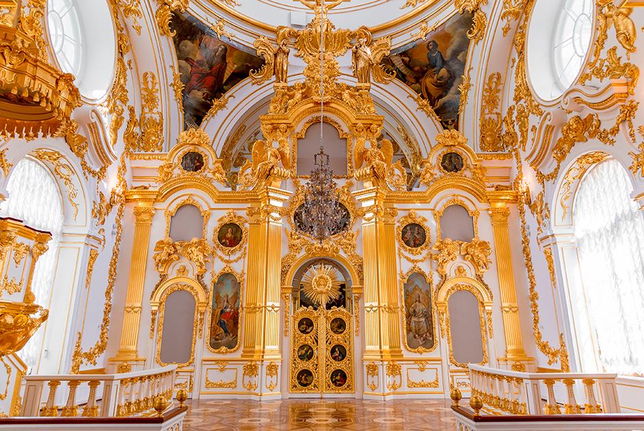 Большая церковь Зимнего дворца, которую часто посещали император и его жена