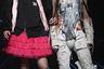 В Японии множество субкультур для девочек: гламурные гяру (от английского girl), неприступные рори (от имени Лолита) и влюбленные в платья от Вивьен Вествуд госурори. В бренде NEGLECT ADULT PATiENTS считают, что мужчины вправе стать частью этого многообразия и примерить женские образы популярных субкультур.