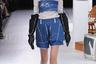 Создатель бренда Balmung впервые показал свою коллекцию на подиуме несмотря на то, что еще в 2013 году попадал в списки японских дизайнеров, достойных отдельного внимания по мнению американских изданий.