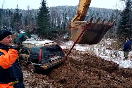 Число погибших при прорыве дамбы в Красноярском крае выросло