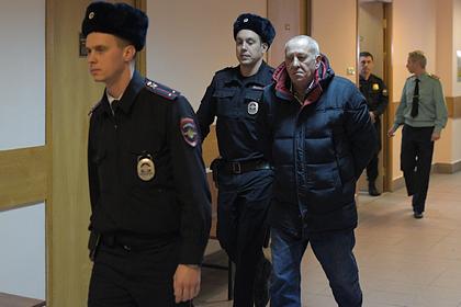 Въехавший в переход московского метро водитель автобуса отпущен из СИЗО
