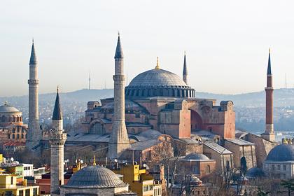 Россиянам раскрыли способ сэкономить на поездках в Турцию