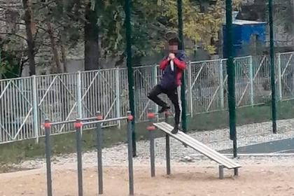 18-летний россиянин пришел на территорию школы с ножом