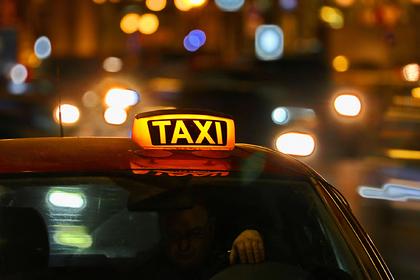 Московский таксист отказался пропустить скорую и пригрозил водителю ножом