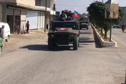 Российский патруль на сирийско-турецкой границе попал на видео