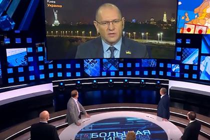 Украинского депутата решили исключить из фракции за поход на Первый канал