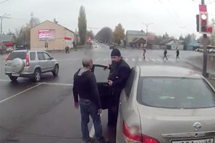 В России поп «проучил» водителя автобуса и поставил под угрозу жизнь пассажиров