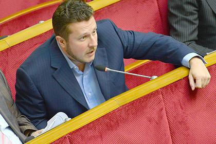 Украинский депутат отказался считать себя «девушкой-шлюшкой»