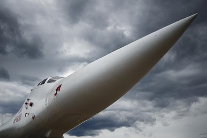 Повоевавшие в Сирии российские Ту-160 прилетели в Африку