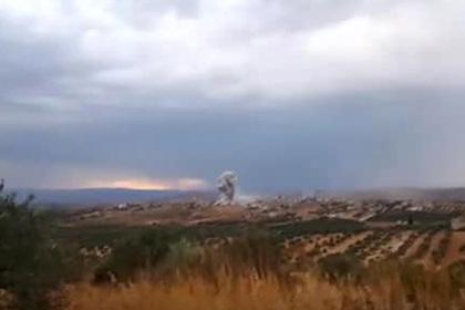 Удар российской авиации по террористам в Сирии показали на видео