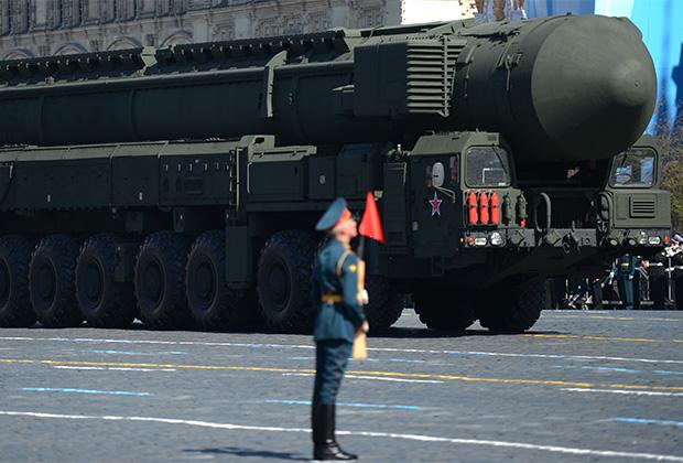 Пусковая установка ракетного комплекса РТ-2ПМ2 «Тополь-М» на Красной площади в Москве (май 2013 года)