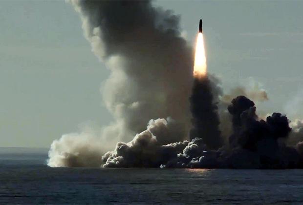 Запуск Р-30 «Булава-30» с АПЛ К-535 «Юрий Долгорукий» проекта 955 «Борей» в Белом море (май 2018 года)
