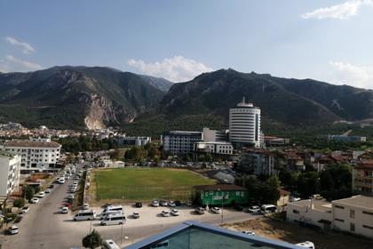 В смерти погибшей в турецком отеле российской девочки обвинили ее мать