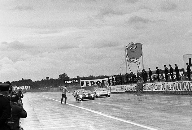 Фото-финиш гонки «24 часа Ле-Мана», 1966 год