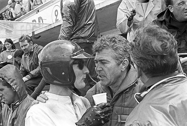Кен Майлз и Кэрролл Шелби на гонке «24 часа Ле-Мана», 1966 год