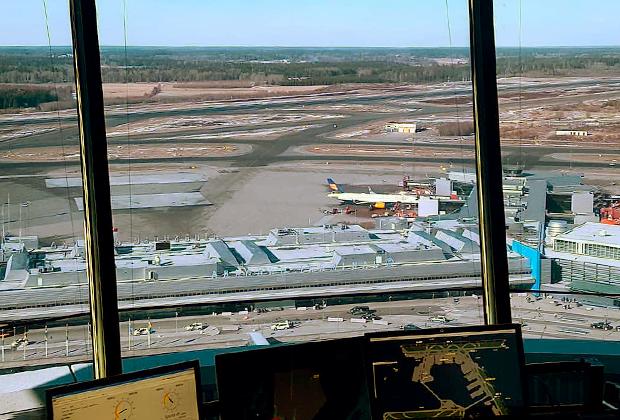 Стокгольмский аэропорт Арланда должен был стать воздушными воротами Северной Европы — привлекательным хабом для путешественников из России, Скандинавии, Прибалтики и Восточной Европы. Но у экологов на этот счет свои виды.