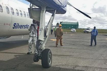 Отвалившееся у самолета колесо вынудило пилота приземлиться сразу после вылета