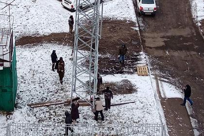 Россияне испугались излучения на крыше дома и подрались