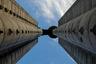 «Генекс» (Genex Tower) — комплекс из двух башен, построенный в олимпийском 1980 году. Его официальное название — «Западные ворота Белграда»: по идее тогда еще югославских властей, небоскреб должен был встречать тех, кто приезжает в город из аэропорта Николы Теслы. Своего рода транспарант высотой больше 100 метров. Здание построено по проекту архитектора Михайло Митровича, и оно — идеальный образец архитектуры брутализма.