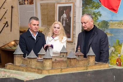Вадим Красносельский с женой и Игорь Додон