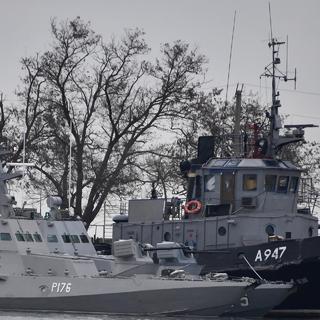 Катера «Никополь», «Бердянск» и рейдовый буксир «Яны Капу» ВМС Украины