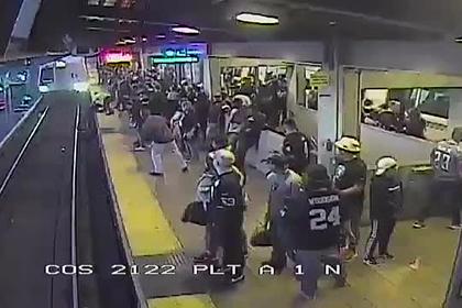 Молниеносная реакция сотрудника метро спасла пьяного пассажира от гибели