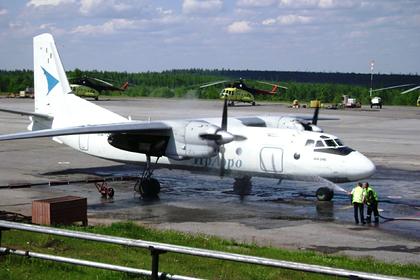 Российский пилот пустил за штурвал случайную девушку и нарвался на проверку