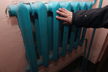 В квартире россиянки сняли батареи и заставили платить за отопление