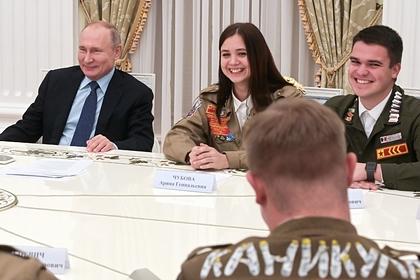 Путин заявил о помощи студенческих отрядов государству