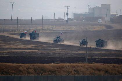 Российский патруль забросали камнями в Сирии
