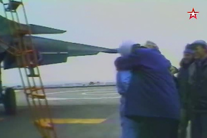 Посадку Су-33 на «Адмирала Кузнецова» показали на видео