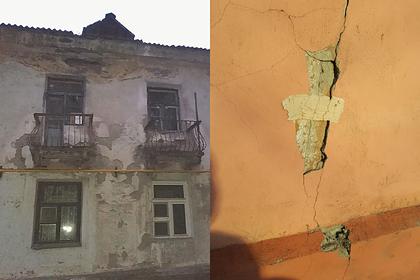 Россиян захотели насильно переселить из одного разрушающегося дома в другой