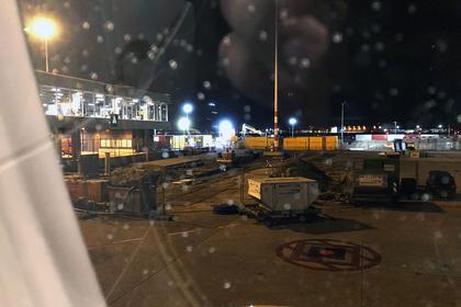 Пилот в аэропорту Аместердама случайно поднял тревогу о захвате заложников