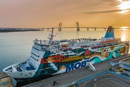 Севший на мель около Стокгольма российский паром вернулся в порт