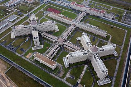 Полковник обогатился на 700 миллионов рублей на стройке лучшей тюрьмы России