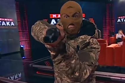 Студию украинского телеканала «захватили» вооруженные люди в масках