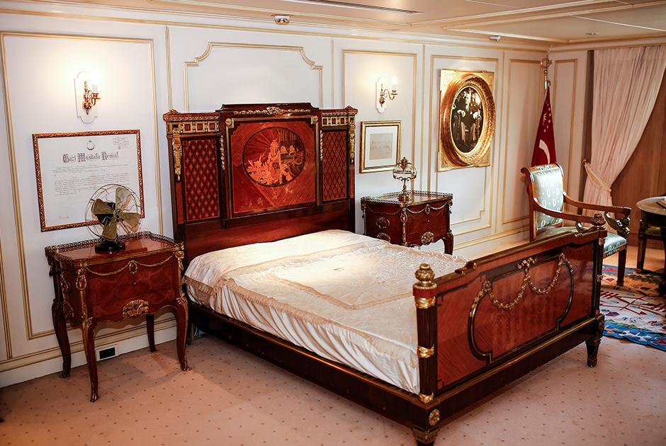 Яхта была куплена турецким правительством для Ататюрка в 1938 году. Однако правитель успел воспользоваться ею лишь несколько раз. В начале 1990-х годов яхта была отреставрирована и сейчас используется президентом Турции в церемониальных целях
