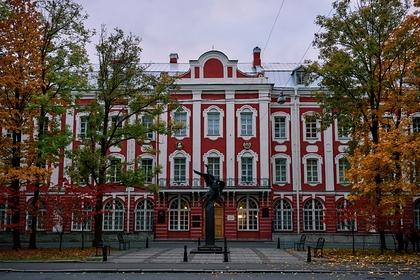 Главное здание СПбГУ